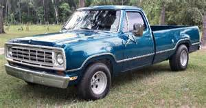 1975 dodge d100 1 2 ton truck