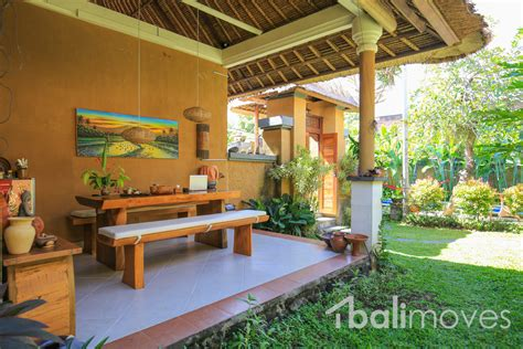two bedroom house with beautiful garden sanur s local two bedroom balinese style villa with large garden area