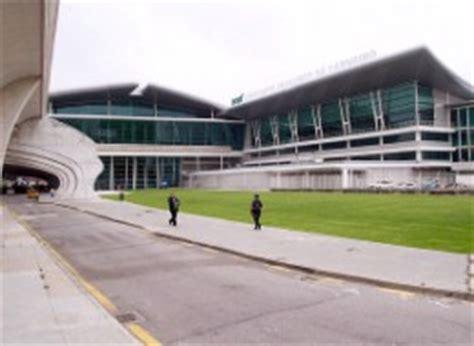 avis porto airport hyrbil porto flygplats gt bilhyra gt billig biluthyrning