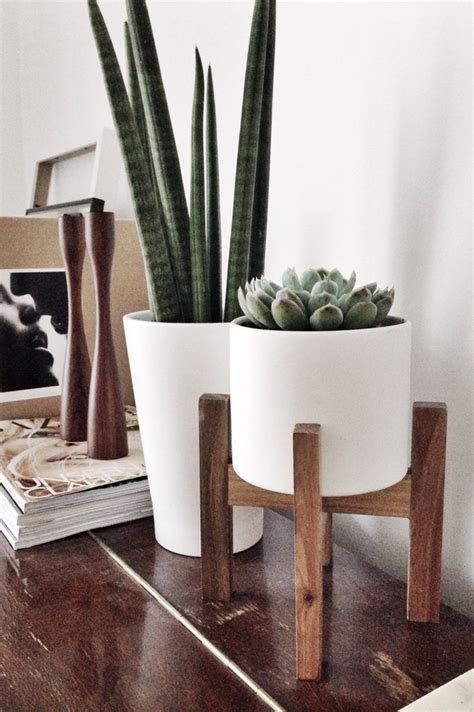 Wooden Planter Stands by Wooden Plant Stands Indoor Woodworking Projects Plans