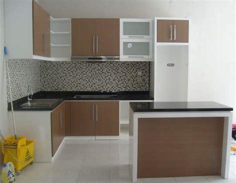 desain lemari dinding minimalis model desain lemari gantung dapur minimalis modern