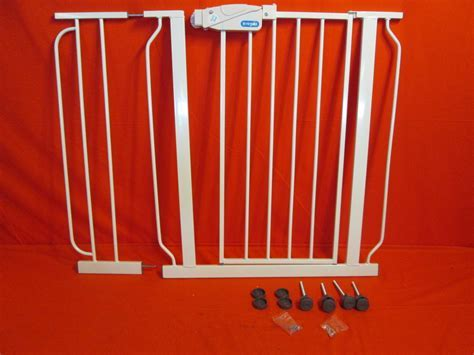 Regalo Extra WideSpan Walk Through Safety Gate White 1158