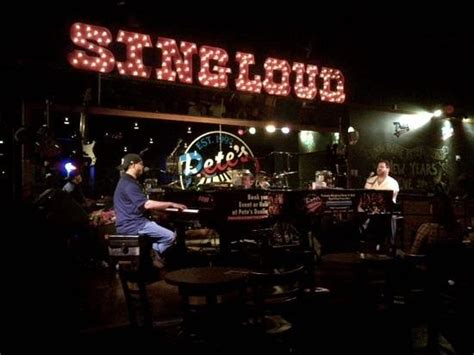 Top Dueling Piano Bar Songs by Dueling Pianos Picture Of Pete S Dueling Piano Bar