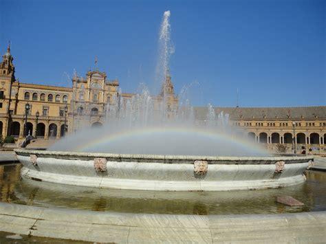siviglia turisti per caso arcobaleno a siviglia viaggi vacanze e turismo turisti