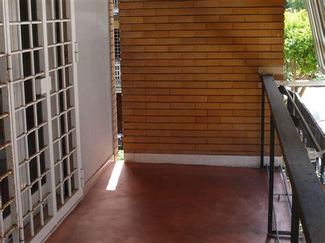 pavimenti decorativi decoram resina di finitura per pareti e pavimenti
