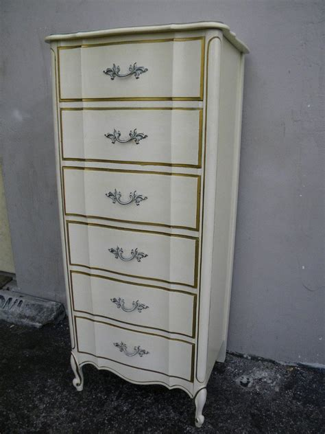Vintage Dixie Furniture by Hello I Am Looking For A White Dixie Provincial