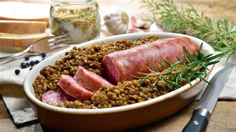 alimenti contengono colesterolo cattivo alimentazione durante le feste consigli per il