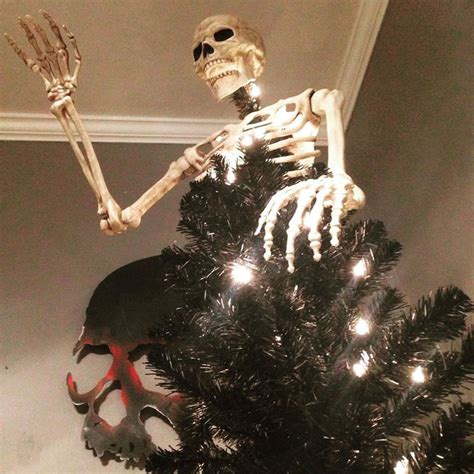 skull christmas tree toppers trees are a thing now 8 pics bored panda