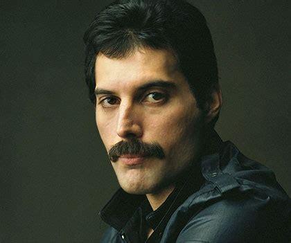 Biography En Ingles De Freddie Mercury | biografia de freddie mercury