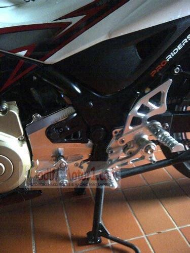 Aksesoris Motor Tutup Radiator Suzuki Satria F150 Merah Trd2001 Mer tutup gear satria fu nui racing