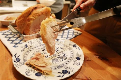defrosting a turkey at room temperature how to host a friendsgiving toronto
