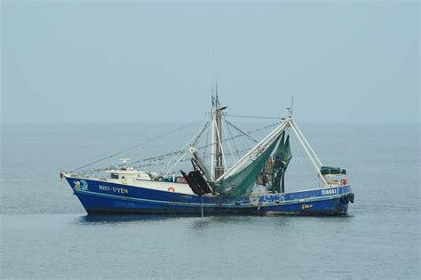 fiberglass shrimp boats for sale in louisiana louisiana shrimp trawler photograph by bradford martin