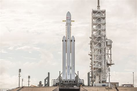 spacex set to launch world s most powerful rocket the usa spacex fires up falcon heavy engines in launch pad
