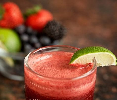 Berry Detox Juice Recipes by 10 Juicing Recipes For Cleansing The Of Toxins
