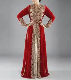 red and white colors always ravishing in moroccan kaftan