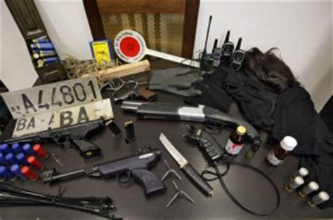 domanda porto d armi uso sportivo arsenale in citt 224 un arma ogni 30 persone bologna