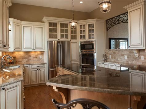 average cost of painting kitchen cabinets cost to paint kitchen cabinets per linear foot home