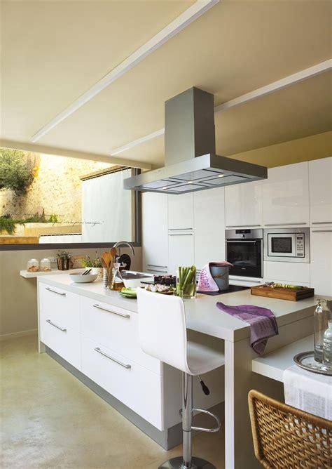 cocinas con isla ikea mesa cocina estrecha ikea beautiful mesas para cocinas pequenas mesa abatible with mesa