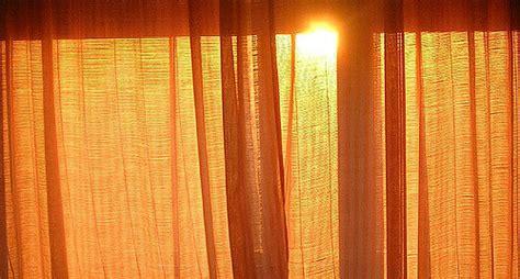 curtain coming down over eye 4 types of curtain heading mrbenjaminmonroe