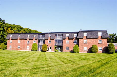 2 bedroom apartments in worcester ma tatnuck arms apartment homes rentals worcester ma