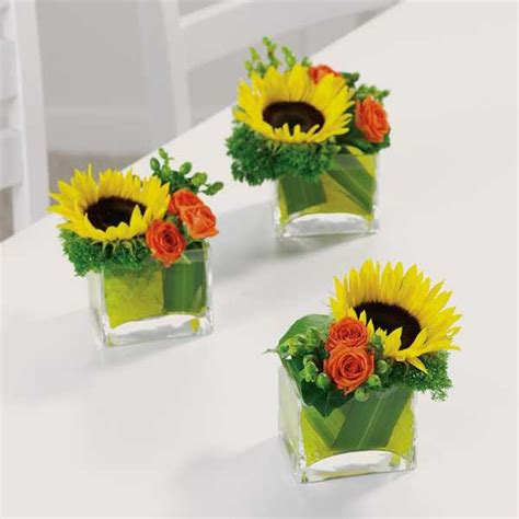 sunflower arrangements ideas simple fall flower arrangements make gorgeous party table