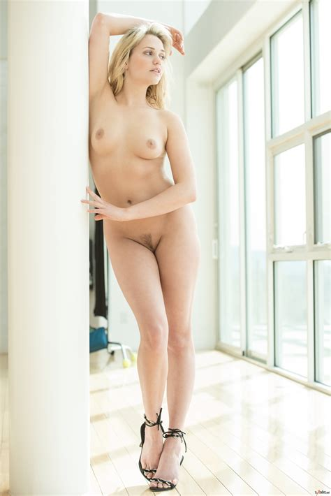 halston sage naked