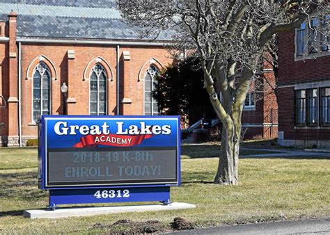 Pontiac School by Two Pontiac Schools To Enter Talks With State On