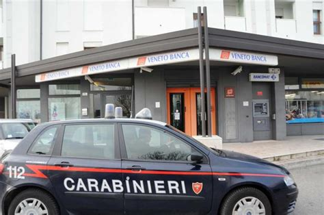 filiale veneto veneto rapina alla filiale di castelfranco