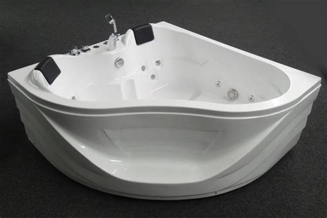 2 person jetted bathtub neoteric design 3 person bathtub with corner jetted