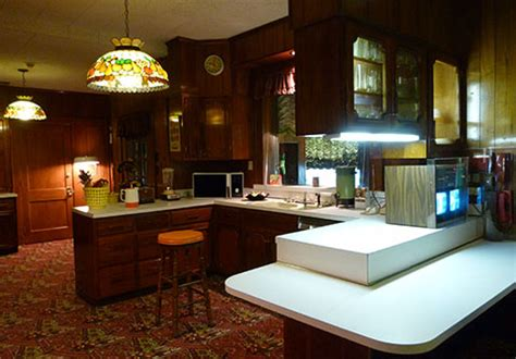 Rooms To Go Kitchen Furniture by Take A Tour Inside Graceland