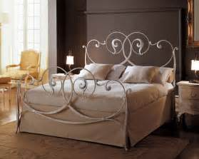 fer forgé chambre coucher lit en fer forg en promotion pas cher lit a