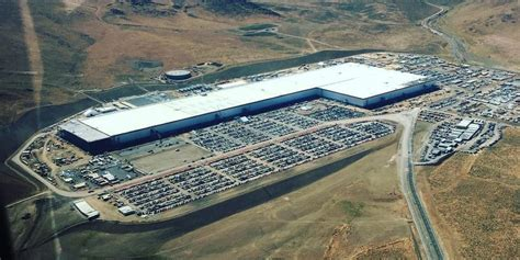 Tesla Giga Factory Tesla Gigafactory 1 New Aerial Shows Lots Of