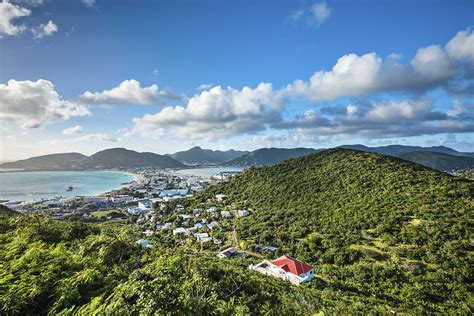 scow island the top 10 caribbean islands for a holiday