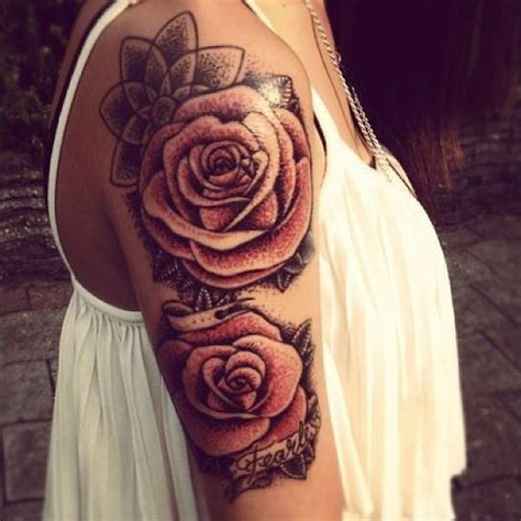 roses tattoo on upper arm tattooshunt com