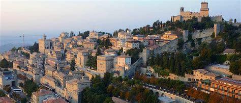 Magnet Kulkas Dari Negara San Marino 8 negara mungil yang dapat anda jelajahi seluruhnya kurang dari 1 minggu traveling yuk
