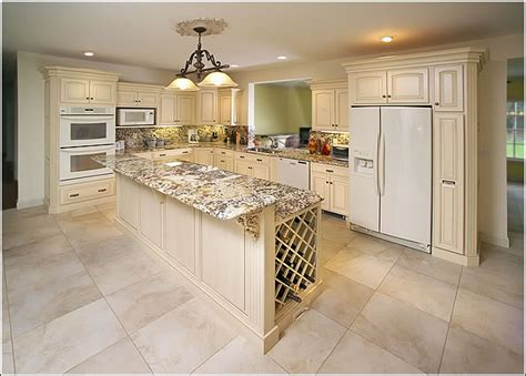 Kitchens With White Appliances And Oak Cabinets Kyprisnews White Kitchen Cabinets White Appliances