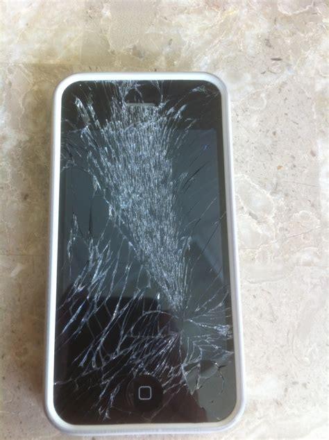 shattered iphone screen replacement irepairuae