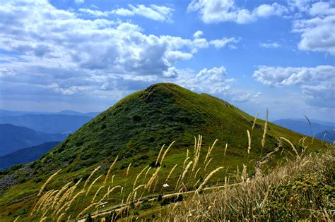 picture hilltop cloud mountain sky grass