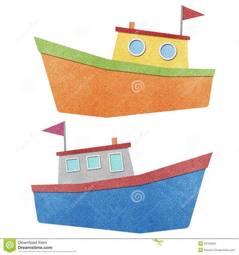 imagenes de barcos de material reciclado barco hecho del papel reciclado foto de archivo libre de