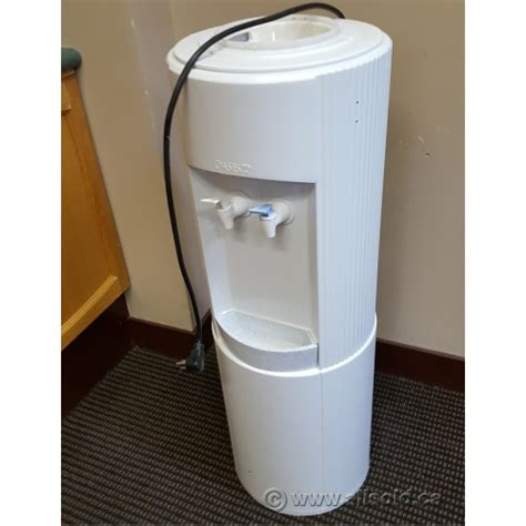 room temperature water cooler oasis room temperature cold bottled water cooler allsold ca buy sell used office