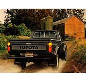 Toyota SR5 Long Sport Truck 4WD RN48 1982–83 Pictures