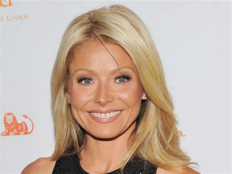product used on kelly ripa hair what type of shoo does kelly ripa use
