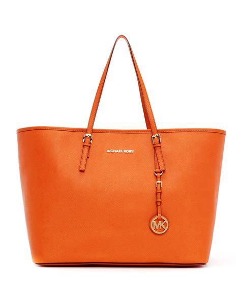 Mk Jetset Travel Bag michael michael kors medium jet set saffiano travel tote bag in orange tangerine lyst