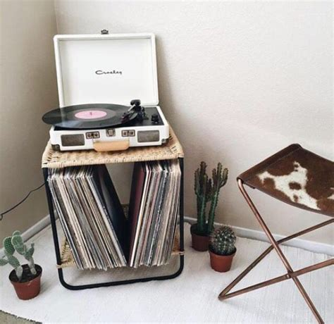 vintage hipster bedroom the 25 best crosley record player ideas on pinterest