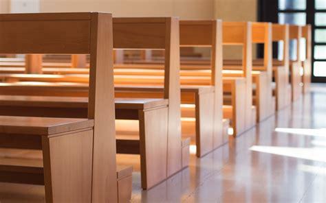 banchi per chiese banchi chiesa legno 4 chiarolegno arredamenti per
