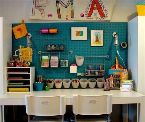 design schreibtische kinderzimmer kinderzimmer schreibtisch bastelecke utensilien design