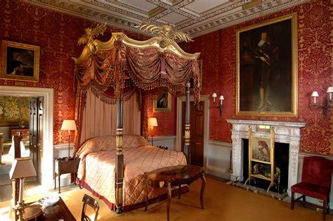 holkham hall bedroom  style traveller