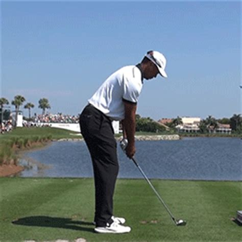 tiger woods swing tips tiger woods golf swing watch how tiger just drops his