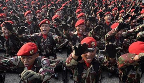 cara membuat gerakan yel yel seperti ini lho yel yel unik para pasukan elit indonesia