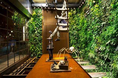Replay Store By Vertical Garden Design Barcelona 187 Retail Garden Wall Store